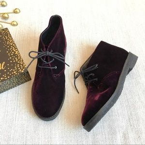 Marc Fisher Dixie Purple lace up ankle Boots 5.5